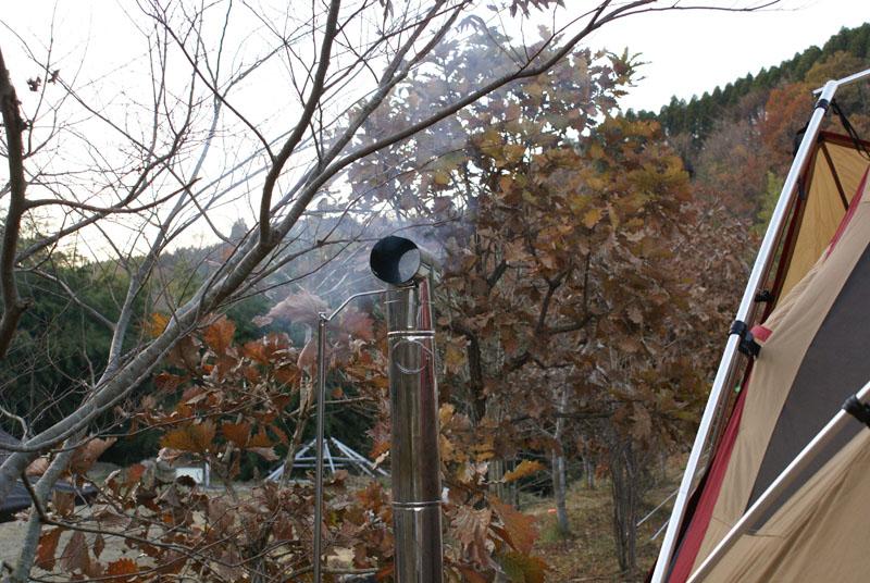 山鳥の森オートキャンプ場 リビングシェル 薪ストーブ