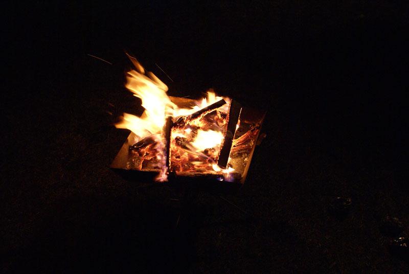 焚き火 ファイヤーグリル
