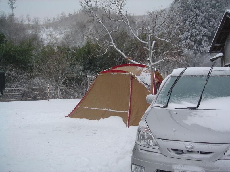 山鳥の森オートキャンプ場 リビングシェル 雪中キャンプ