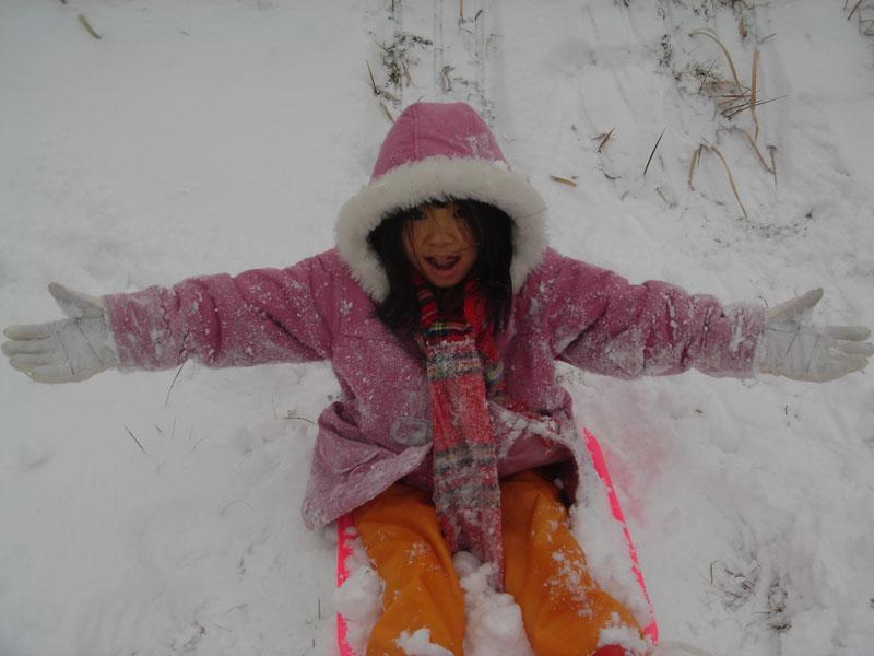 雪遊び カナ