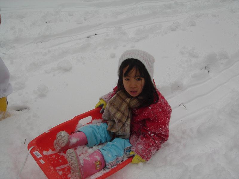 雪遊び チカ