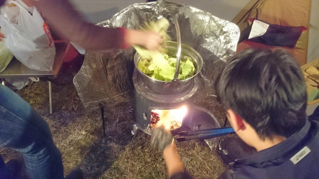 薪ストーブ もつ鍋