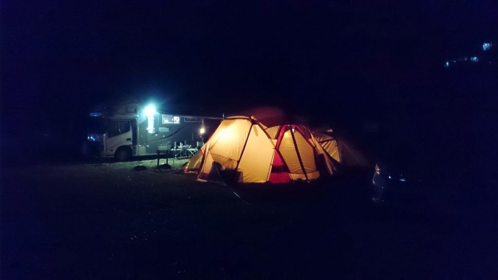 三日月の滝公園キャンプ場 リビングシェル