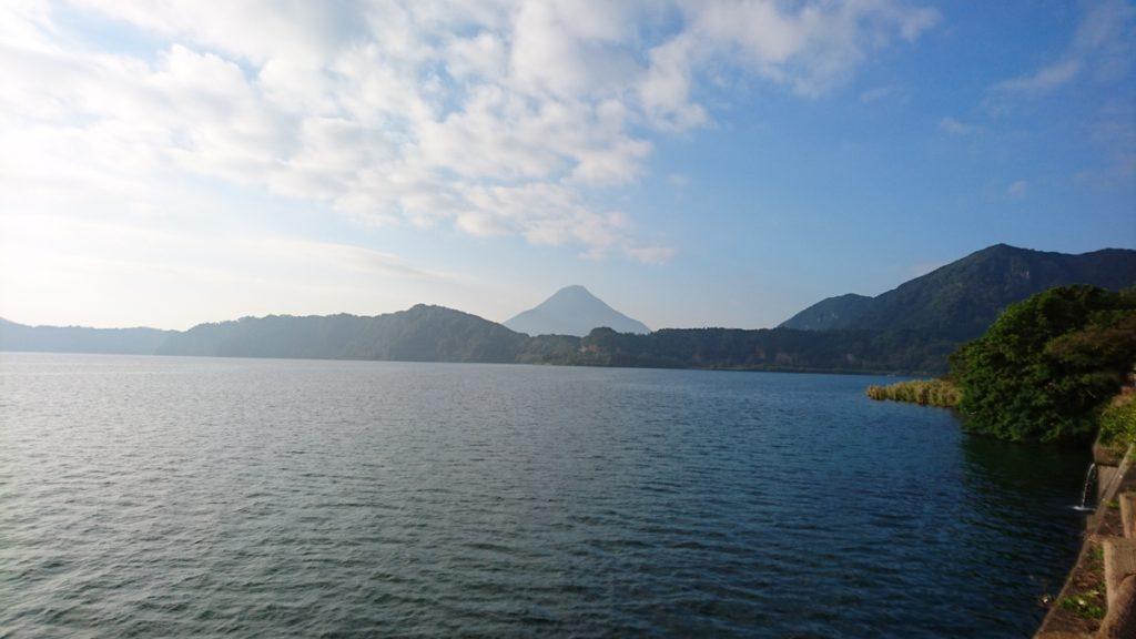 池田湖より開聞岳
