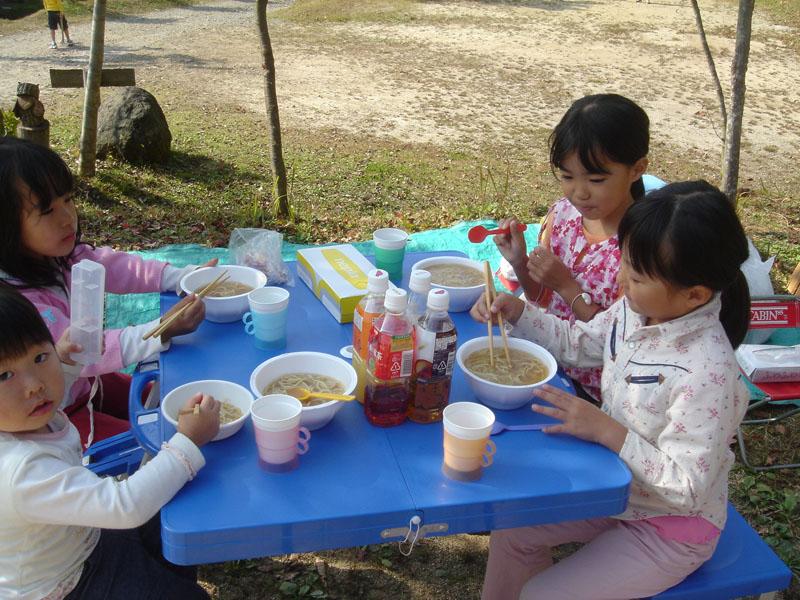 山鳥の森オートキャンプ場 昼食