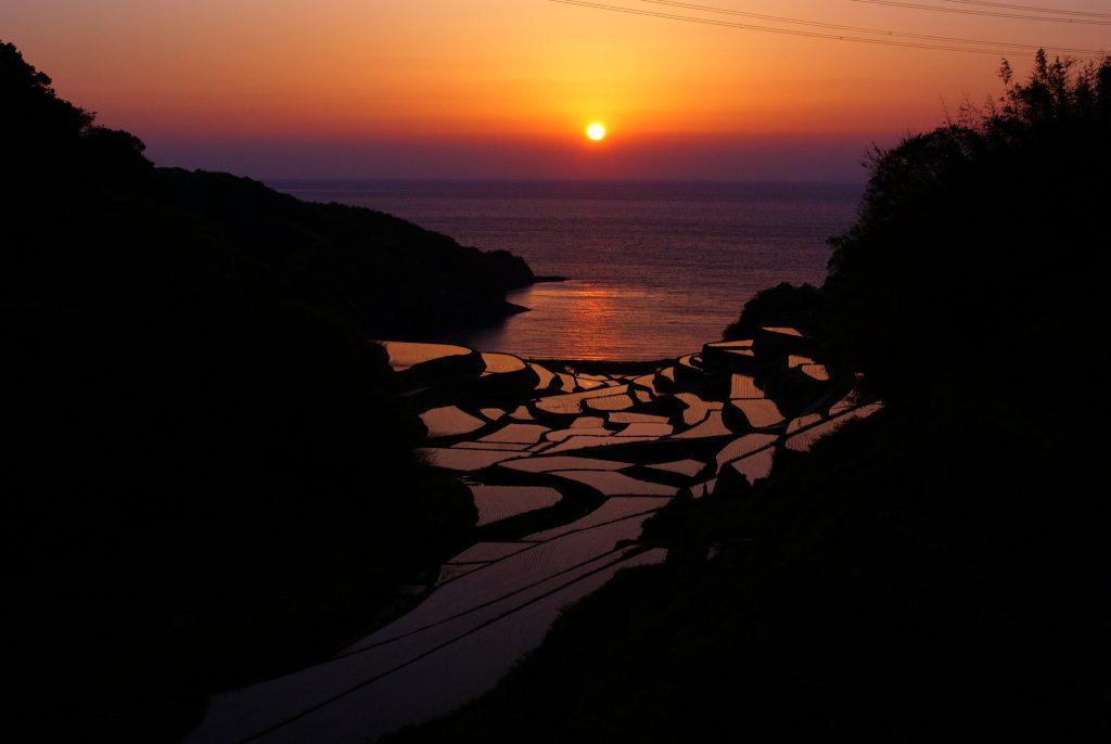 浜野浦の棚田の夕焼け