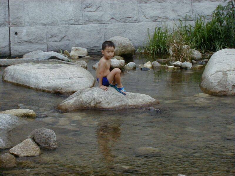 竜岩自然の家 川遊び