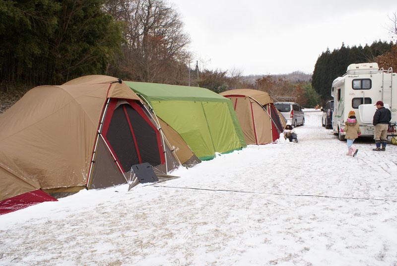 山鳥の森オートキャンプ場 雪中キャンプ フリーCサイト