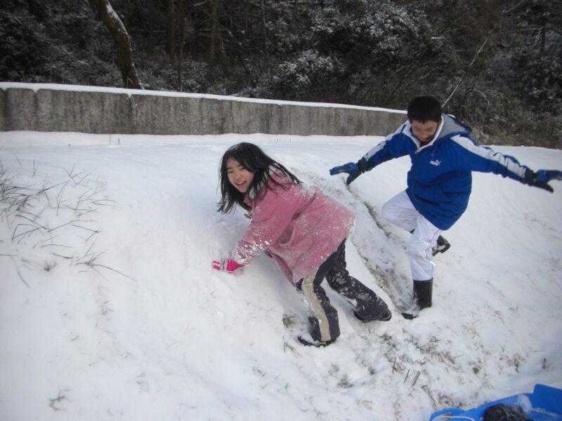 山鳥の森オートキャンプ場 雪遊び