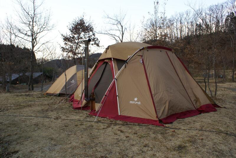 山鳥の森オートキャンプ場 リビングシェル アメニティドーム 薪ストーブ