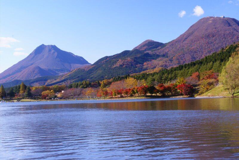 志高湖 紅葉 由布岳 鶴見岳