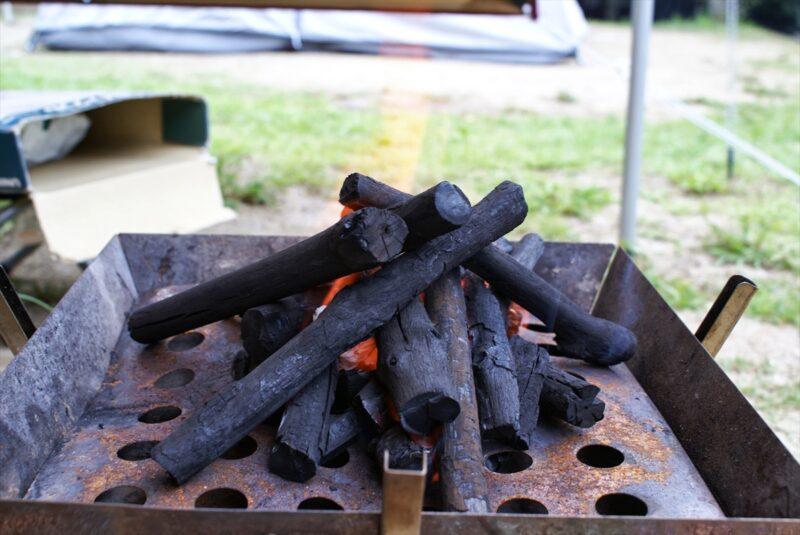 山鳥の森オートキャンプ場 ファイヤーグリル 炭