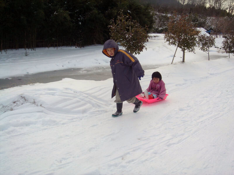 山鳥の森オートキャンプ場 雪中キャンプ 雪遊び