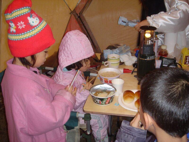 山鳥の森オートキャンプ場 雪中キャンプ 朝食