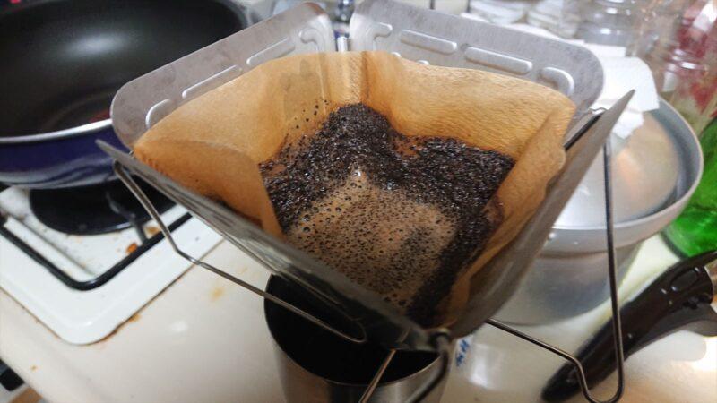 焚火台型コーヒードリッパー お湯